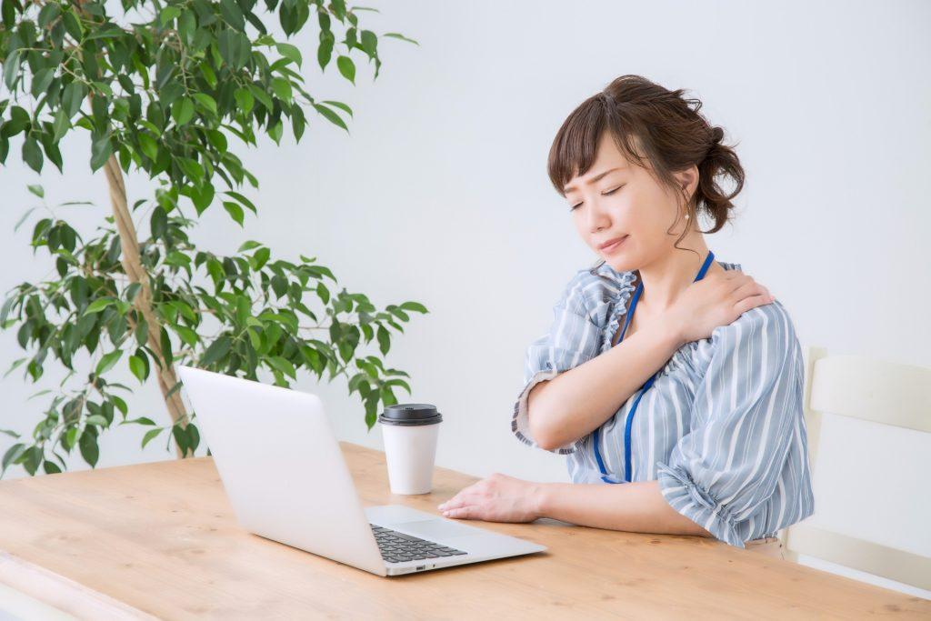 肩こりの症状と原因