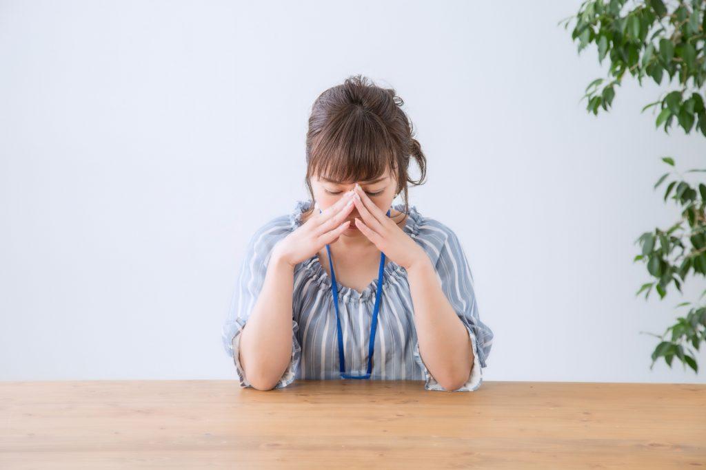 不眠症の原因と改善対策