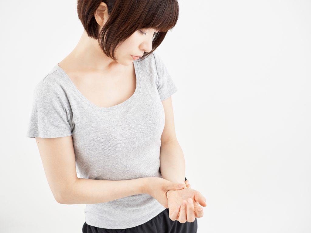 手や腕のしびれの原因